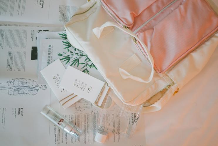 [邀稿] 香港裡的小故事 ♥ What's In My Bag?